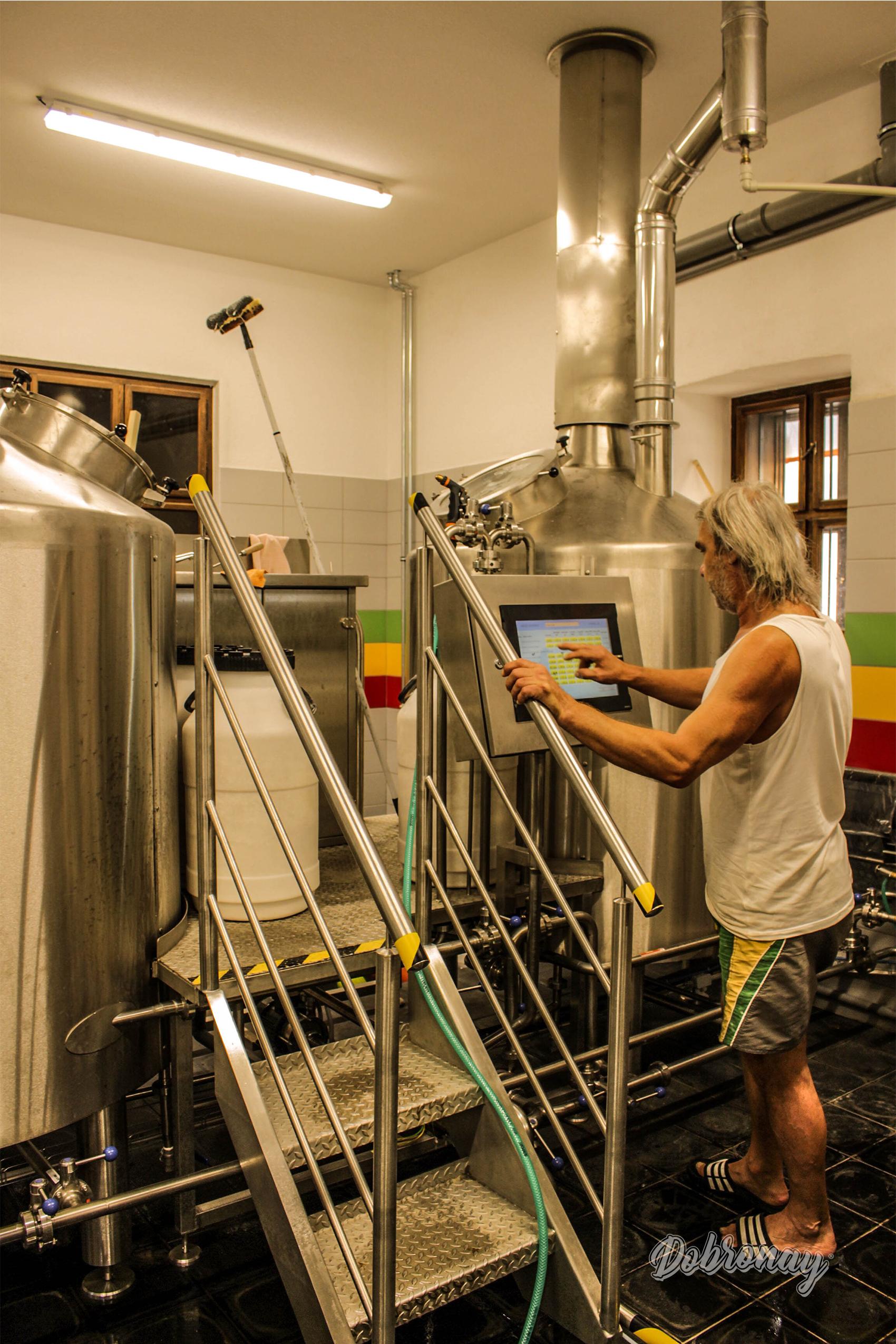 V našom pivovare využívame moderné technológie a prístroje